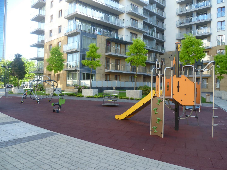Prywatny Żłobek Tosia w Krakowie - plac zabaw przy budynku